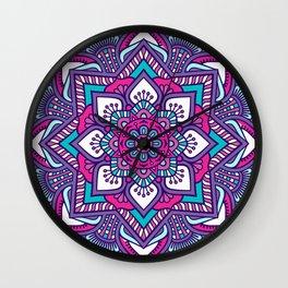 mandala morada Wall Clock
