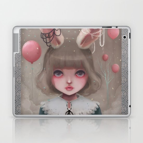 Juliette, balloons & pearls... Laptop & iPad Skin