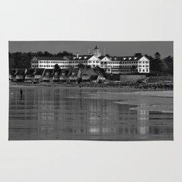 Colony Hotel, Kennebunkpot Rug