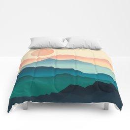 Wanderlust Gradient Mountain Comforters