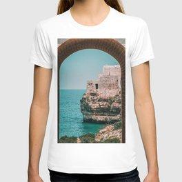 Italy Coast / Polignano Cliff Sea T-shirt