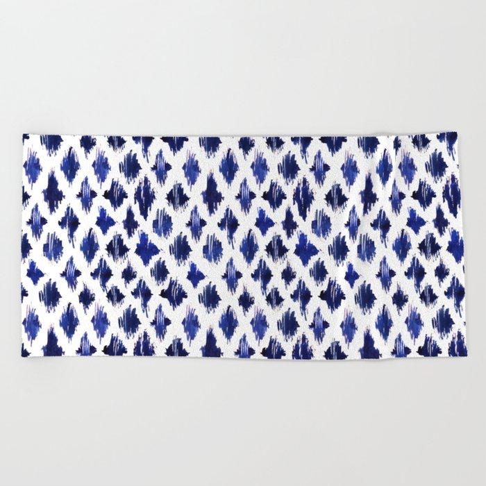 Shaking ultramarine Beach Towel