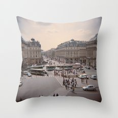 Opéra Throw Pillow