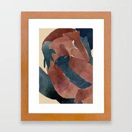 Coucou, je suis toujours là. Framed Art Print