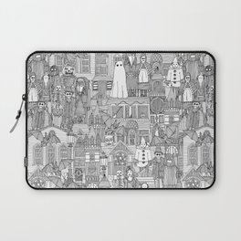 vintage halloween black white Laptop Sleeve