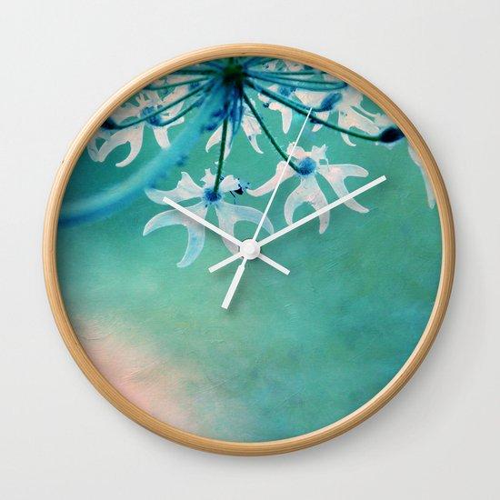 agosto Wall Clock