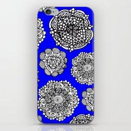 blue mandala maze  iPhone Skin