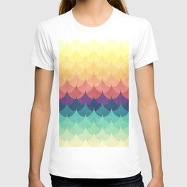 Sailing in Rainbow Waves T-shirt