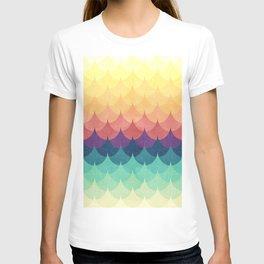 Sailing in Rainbow Waves T-shirt