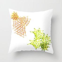 abeja vs libelula Throw Pillow
