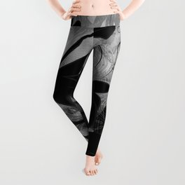 Queen Sweet Pea -- grayscale Leggings