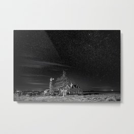 Neverwinter - Abandoned House Under Starry Night Sky in Black and White Metal Print