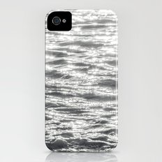 Glittering Early Sunlight Bouncing Off Gentle Waves in Monochrome Black and White Slim Case iPhone (4, 4s)