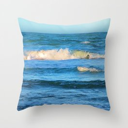 Beautiful waves on the Queensland coast of Australia Throw Pillow