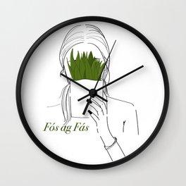 Fós ag Fás Wall Clock