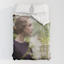 Julia in Great Expectations Duvet Cover
