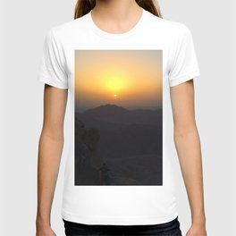 The Sunrise at Moses mountain T-shirt