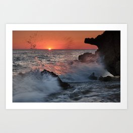 Red Sun Through The Waves. Roche Reefs At Sunset. Art Print