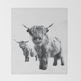 HIGHLAND COW - LULU & SARA Throw Blanket