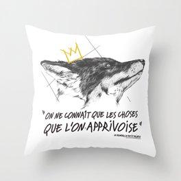 Le Renard Throw Pillow
