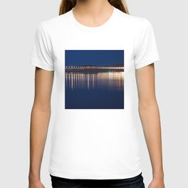 The River Tay at night Dundee T-shirt
