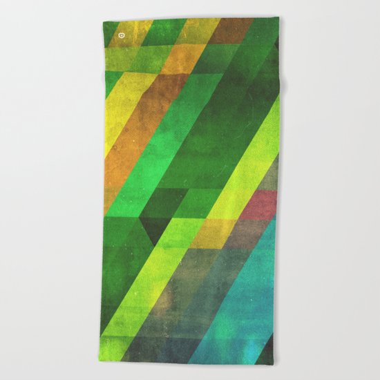 lyyn wyrk Beach Towel