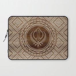 Khanda symbol on wooden texture Laptop Sleeve