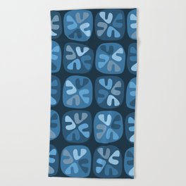 blue boomerangs Beach Towel