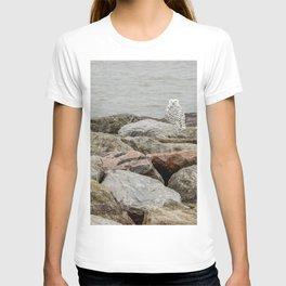 Snowy Owl by Teresa Thompson T-shirt