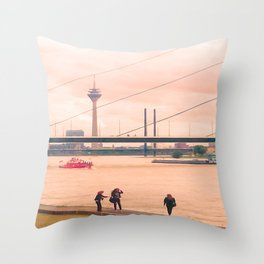 Fotoshooting Duesseldorf by the rhine Throw Pillow