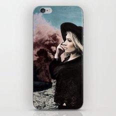Burning Koffer iPhone & iPod Skin