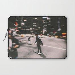 Skate in street 4 Laptop Sleeve