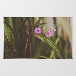 trebol flowers Rug