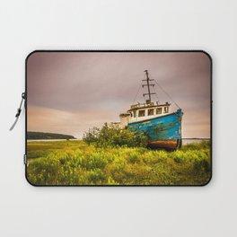 Abandoned ship Laptop Sleeve