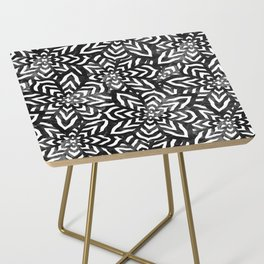 I don't need to improve - Black and white Side Table