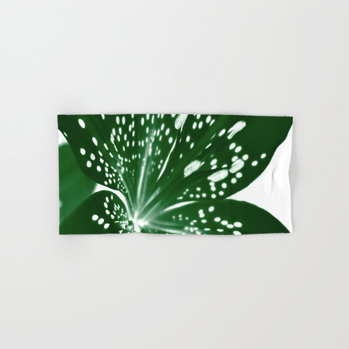 Lily Infrared In Green Hand & Bath Towel