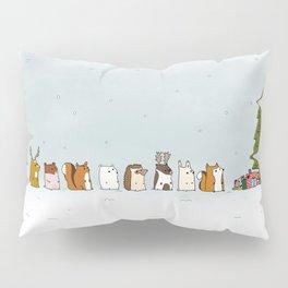 winter animals on the christmas tree Pillow Sham
