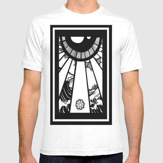 EL MAR LAS NUVES Y UN OJO T-shirt
