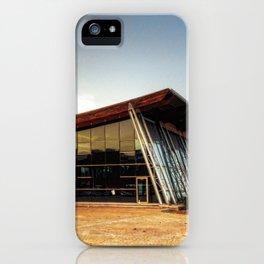 Trampolin gigante iPhone Case