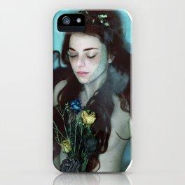 Ann; Le pétale iPhone Case
