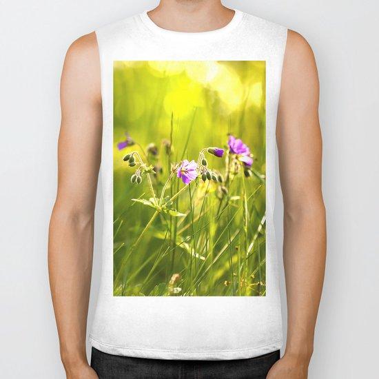 Beautiful meadow flowers - geranium on a sunny day - brilliant bright colors Biker Tank