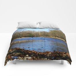 River flows Comforters