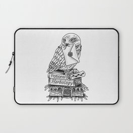 Hedwig On Books Laptop Sleeve