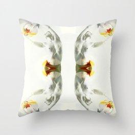 m´nude Throw Pillow