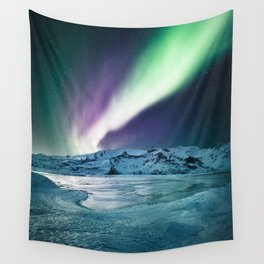 aurora in iceland Wall Tapestry