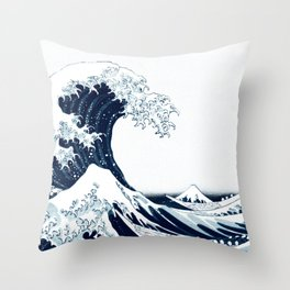 The Great Wave - Halftone Throw Pillow