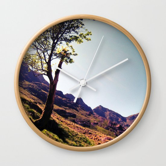 tree side. Wall Clock