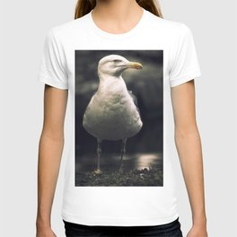 Seagull. The boss of the pond. T-shirt