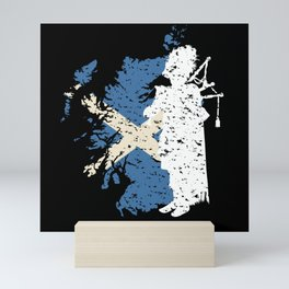 Scotland Flag Bagpiper Bagpipe Gift Motif Mini Art Print