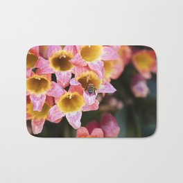 Tangerine Beauty Cross Vine with a Bumblebee Bath Mat